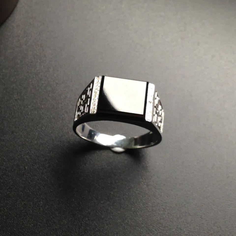 翡翠戒指寓意美好,不同人群如何选购翡翠戒指呢?-第7张图片-翡翠网