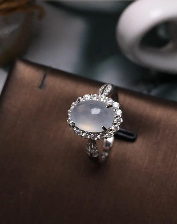 翡翠戒指寓意美好,不同人群如何选购翡翠戒指呢?-第8张图片-翡翠网