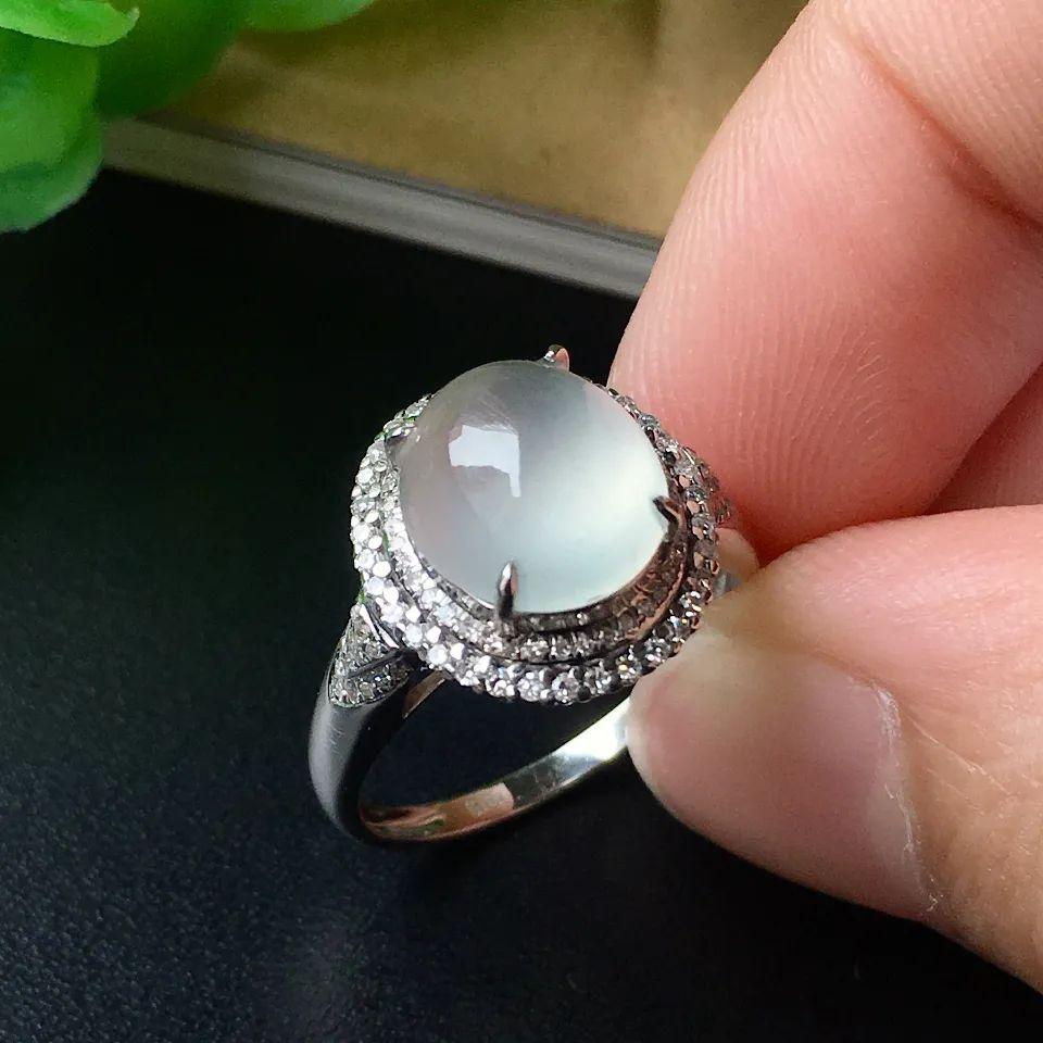 翡翠戒指寓意美好,不同人群如何选购翡翠戒指呢?-第11张图片-翡翠网