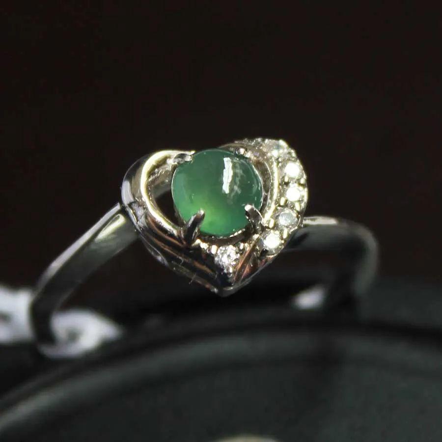翡翠戒指寓意美好,不同人群如何选购翡翠戒指呢?-第14张图片-翡翠网