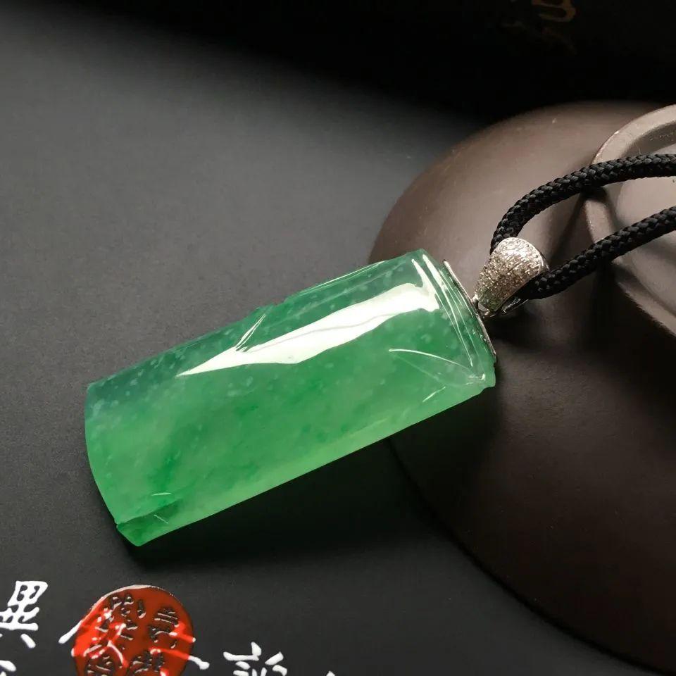 带你了解翡翠竹节的历史故事,它适合送给什么人呢?-第11张图片-翡翠网