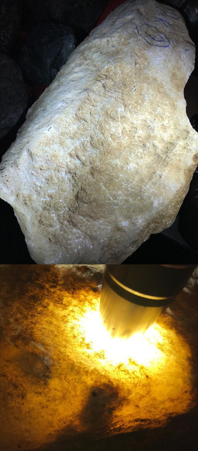 翡翠原石水沫,翡翠原石水沫玉共生-第5张图片-翡翠网