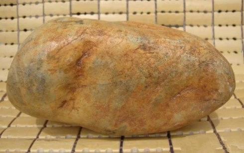 翡翠原石外面为什么有一层皮,翡翠原石皮壳-第5张图片-翡翠网