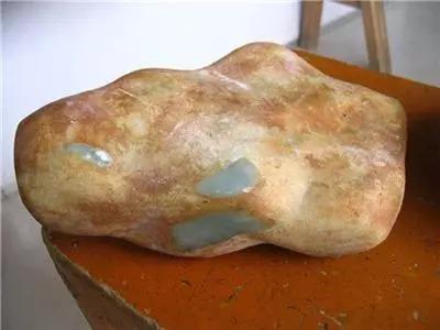 翡翠原石外面为什么有一层皮,翡翠原石皮壳-第6张图片-翡翠网