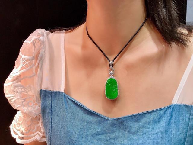 女人戴翡翠对身体有什么好处女人戴翡翠的好处-第10张图片-翡翠网